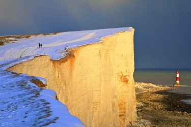 UK08199 Snow Covered Beachy Head And Lighthouse, Eastbourne Downland Estate, Eastbourne, East Sussex, United Kingdom
