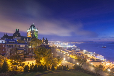 CA04269 Canada, Quebec, Quebec City, elevated skyline with Chateau Frontenac Hotel, dawn, fog