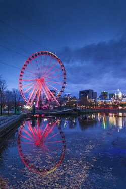 CA04309 Canada, Quebec, Montreal, The Old Port, The Montreal Observation Wheel, dusk