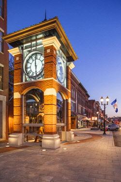 US27104 USA, New England, New Hampshire, Concord, Main Street and clocktower, dusk