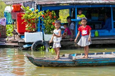 AS40DPB0152 Chhnok Tru, floating village, Tonle Sap Lake, Cambodia