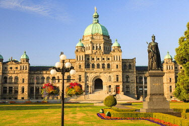 CN02SWR0272 Parliament Buildings, Inner Harbor, Victoria, British Columbia, Canada