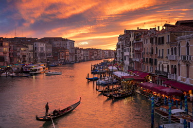 EU16BJN0578 Colorful evening over the Grand Canal and city of Venice, Veneto, Italy