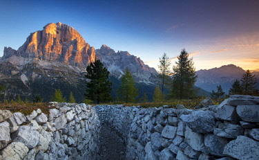 EU16BJN0608 Dawn over Tofana de Rozes from the World War One trenches at Cinque Torri, Dolomite Mountains, Veneto, Italy