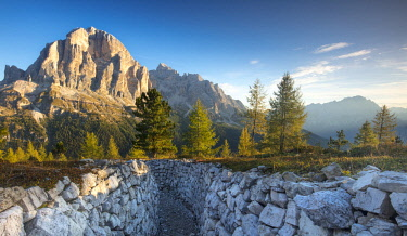 EU16BJN0610 Dawn over Tofana de Rozes from the World War One trenches at Cinque Torri, Dolomite Mountains, Veneto, Italy