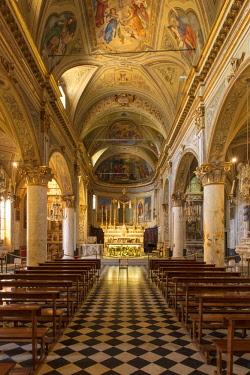 EU16BJN0666 Interior of Chiesa di San Martino, Portofino, Liguria, Italy