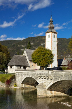 EU38BJN0016 St. John the Baptist Church on Lake Bohinj in Ribcev Laz, Upper Carniola, Slovenia