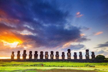 CHI11020AWRF Sunrise over Tongariki, Easter Island, Chile