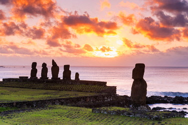 CHI11032AW Sunset over Moai at Tahai, Easter Island, Polynesia, Chile