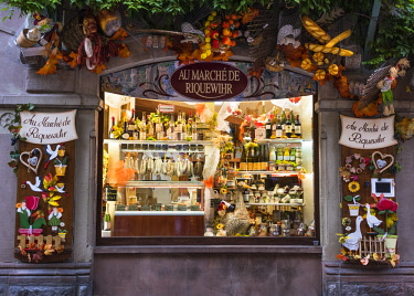 FRA10242AW Shop selling local produce in the medieval town of Riquewihr, Alsatian Wine Route, France