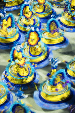 BRA3692AW Brazil, Rio de Janeiro, Carnival 2018, samba school parading in the Sambadrome stadium