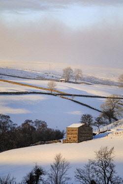 ENG15496AW England, North Yorkshire, Swaledale. Winter landscape near Keld.