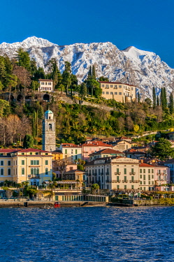 ITA12043AW Winter view of the pretty lake town of Bellagio, Lake Como, Lombardy, Italy