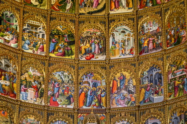 SPA7577AW Detail of the apse, Old Cathedral, Salamanca, Castile and Leon, Spain