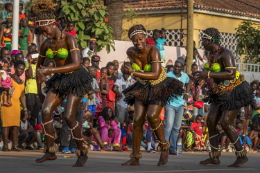 GUN0067AW Africa, Guinea Bissau. Bissau, dancing women during the Carnival's parade.