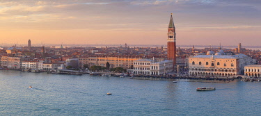 CLKDC80342 Panoramic view of historc centre of Venice from the bell tower of abbey of San Giorgio Maggiore at sunset, Venice, Veneto, Italy