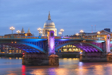 CLKDC80816 St. Paul's Cathedral with Southwark Bridge at dusk, London, Great Britain, UK