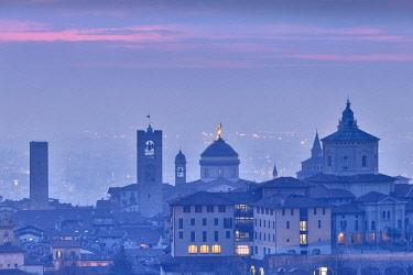 CLKFB81855 Twilight view of upper city of Bergamo, Lombardy, Italy.