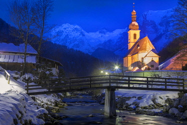 CLKMG81582 Parish Church of St. Sebastian, Ramsau near Berchtesgaden in winter, Berchtesgadener Land district, Upper Bavaria, Bavaria, Germany