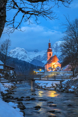 CLKMG81583 Parish Church of St. Sebastian, Ramsau near Berchtesgaden in winter, Berchtesgadener Land district, Upper Bavaria, Bavaria, Germany