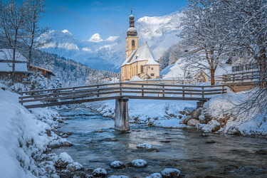 CLKMG81588 Parish Church of St. Sebastian, Ramsau near Berchtesgaden in winter, Berchtesgadener Land district, Upper Bavaria, Bavaria, Germany