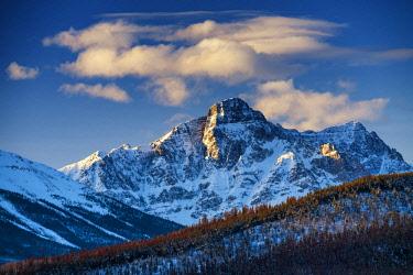 CAN3473AW Mt. Fitzwilliam, Mt. Robson Provincial Park, British Columbia, Canada