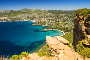 FRA10286AW View over Cassis from Cap Canaille, Provence, France
