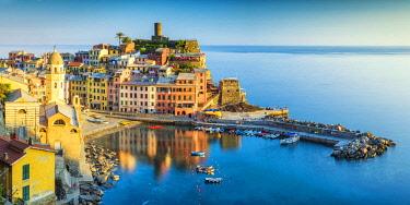 ITA12045AW Vernazza, Cinque Terre, Liguria, Italy