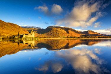 SCO35230AW Kilchurne Castle Reflecting in Loch Awe, Argyll & Bute, Scotland