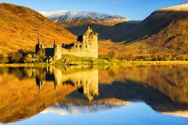 SCO35231AW Kilchurne Castle Reflecting in Loch Awe, Argyll & Bute, Scotland