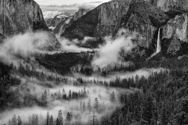 USA13357AW Bridalveil Falls in Mist, Yosemite National Park, California, USA