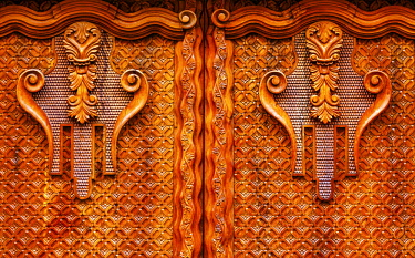 SA13WPE0252 Golden Brown Carved Decorations Ornate Wooden Door, San Miguel de Allende, Mexico