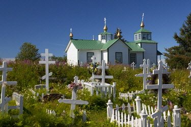 US02BJY0393 USA, Alaska, Ninilchik. Russian Orthodox Church and cemetery.