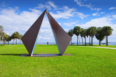 "US11905 Florida, Saint Petersburg, Pinellas County, Steel Geometric Sculpture Called ""Truth"", Sculpted By Rolf Brommelsick, Vinoy Park, Tampa Bay"