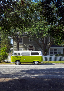 US11911 Florida, Saint Petersburg, Old Southeast Neighborhood, Pinellas County, Classic Volkswagen Van, Camper