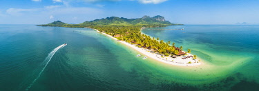 THA1367AW Ko Muk (Ko Mook), Trang Province, Thailand. Sivalai Beach Resort, aerial view (PR).