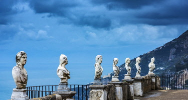 ITA12100AW Europe, Italy, Campania. The terrace of Infinity of Villa Cimbrone in Ravello