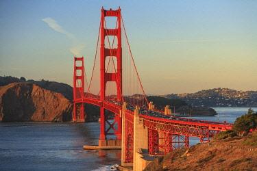 US05SWR0429 View of Golden Gate Bridge, San Francisco, California, USA