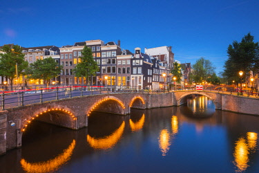 NLD0802AW Amsterdam, Holland, Canals at dusk