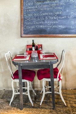 ITA12269AW Italy. Tuscany.  Siena District. Sinalunga. Tenuta La Fratta.  Restaurant.