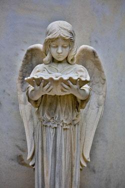 US11HLL0010 USA, Georgia, Savannah. Statue at Bonaventure Cemetery
