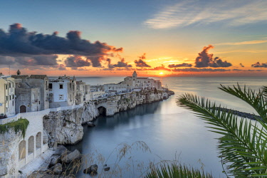ITA12428AW Italy, Apulia, Puglia, Foggia district. Gargano, Vieste. Old town and Punta di San Francesco. (San Francesco promanade)