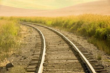 US48GTH0012 USA, Washington State. railroad, curve