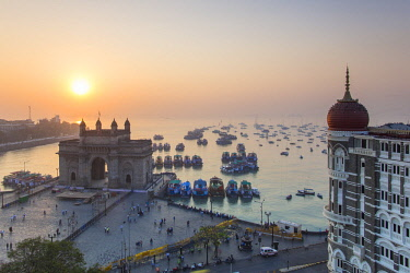IN07159 India, Mumbai, Maharashtra, The Gateway of India, monument commemorating the landing of King George V and Queen Mary in 1911