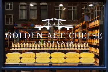 NLD0825 Cheese shop display, Singel, Amsterdam, Noord-Holland, Netherlands