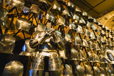 TPX63556 England, London, Tower of London, The White Tower, Display of Medieval Body Armour