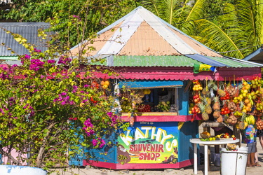 SVG01055 St Vincent and The Grenadines, Union Island, Clifton, Outdoor market