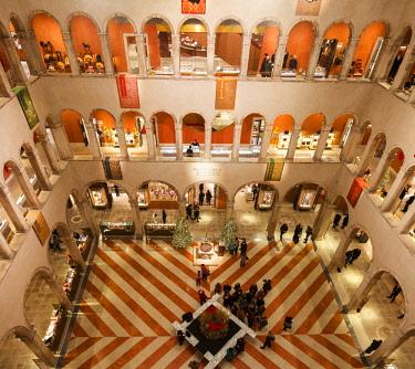 ITA12782AW Inside View of the Luxury Shopping Center Fondaco dei Tedeschi, Venice, Veneto, Italy