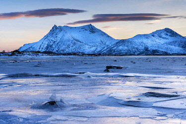 IBLHEI04648597 Icy coast on dusk, Gimsoy, Lofoten, Norway, Europe