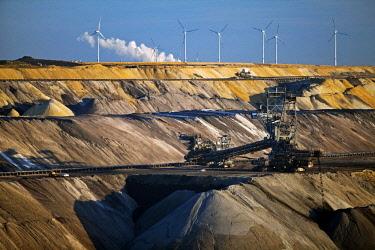 IBLSZI04626448 Lignite opencast mine with stacker, Garzweiler, Juchen, Rheinische Braunkohlerevier, North Rhine-Westphalia, Germany, Europe